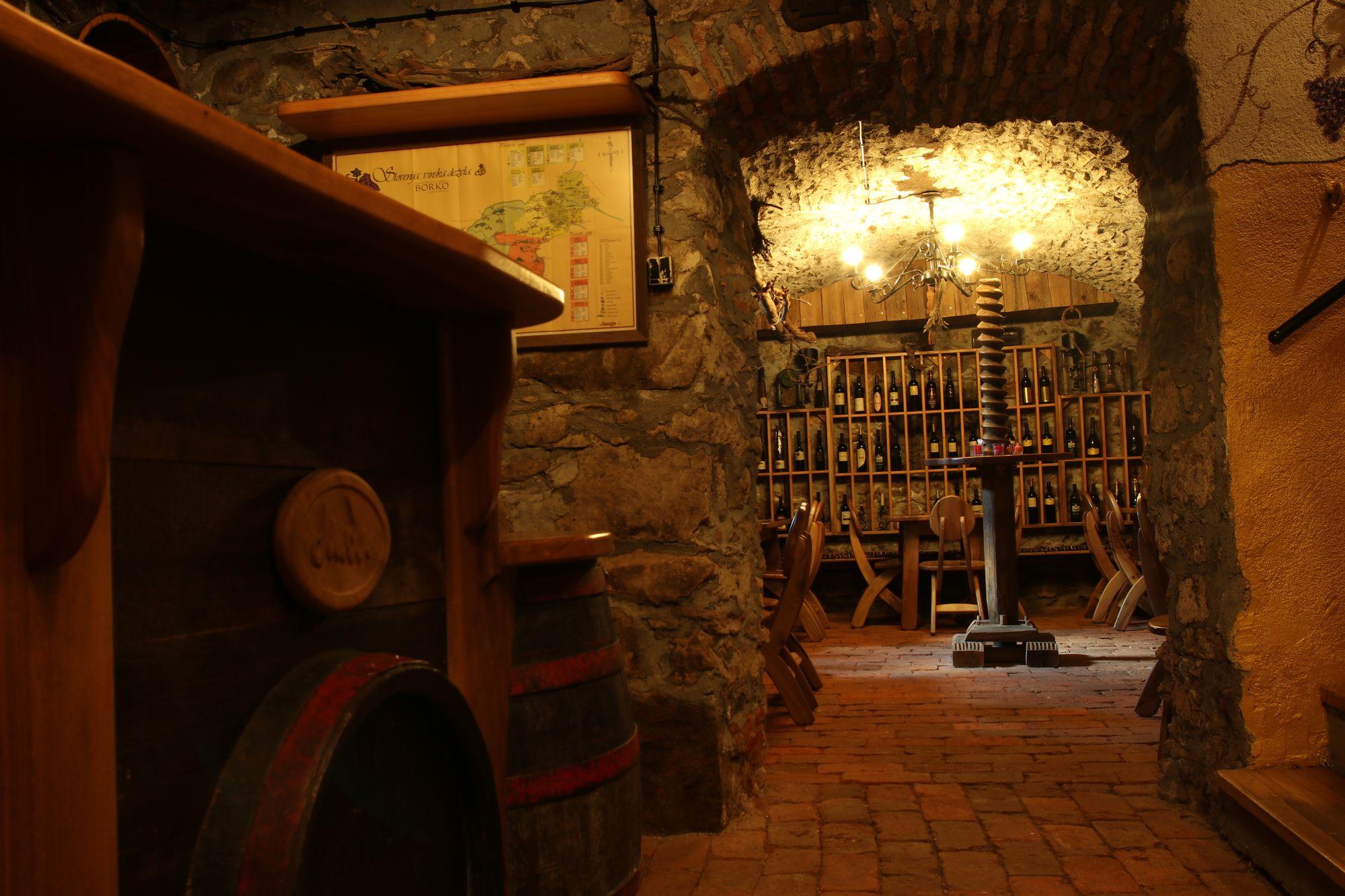 wine-cellar-07
